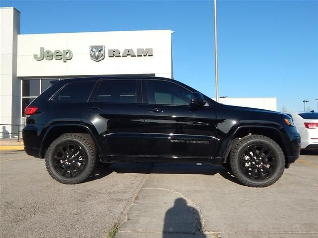 Jeep Cherokee Altitude >> New 2018 Jeep Grand Cherokee Altitude Sport Utility In Norman