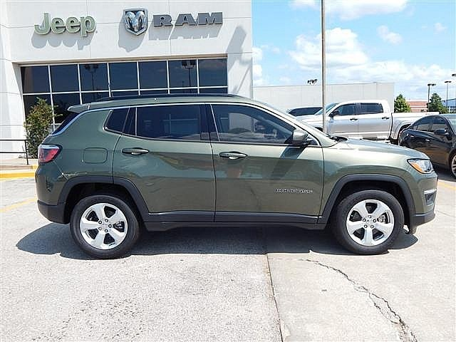 New 2017 Jeep Compass Latitude Sport Utility In Norman Ht671085